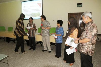 Participants at the ICRAF-ASB joint seminar with the Ministry of Forestry and National Planning Agency in Indonesia